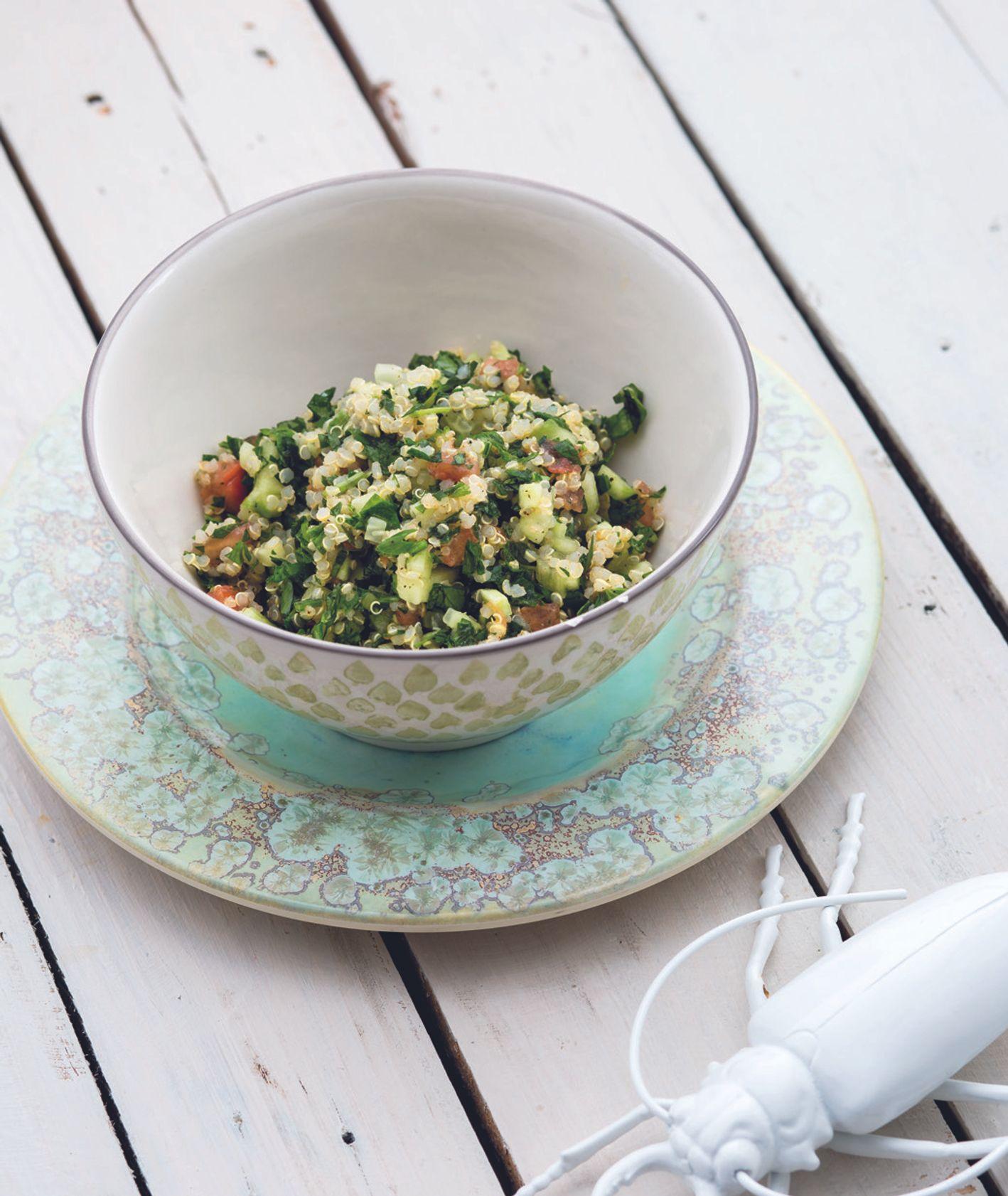 Sałatka tabbouleh z komosy ryżowej z pomidorem, z miętą i z natką pietruszki, przepis i zdjęcie Kasia Bem