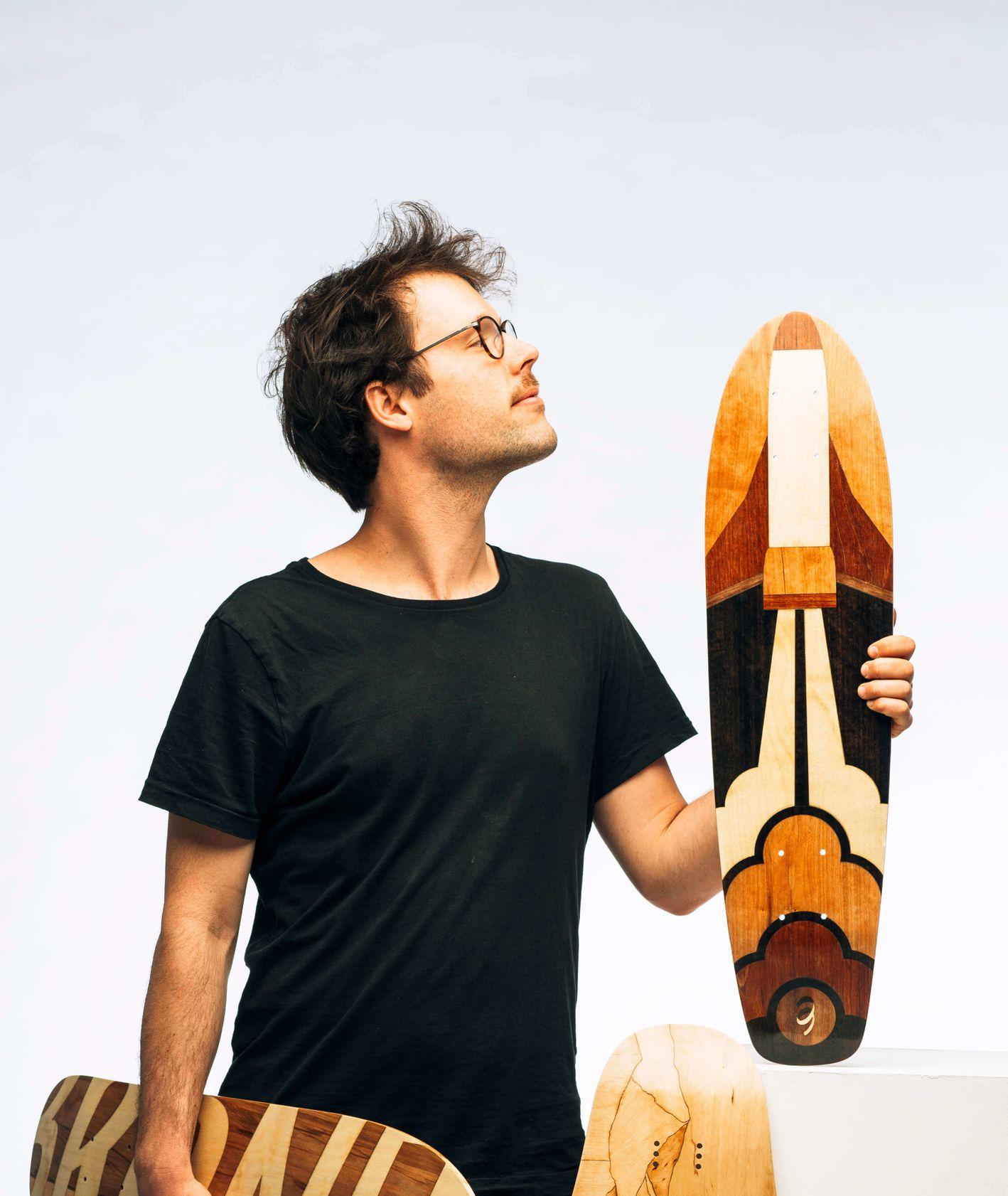 Longboardy zdobione techniką intarsji