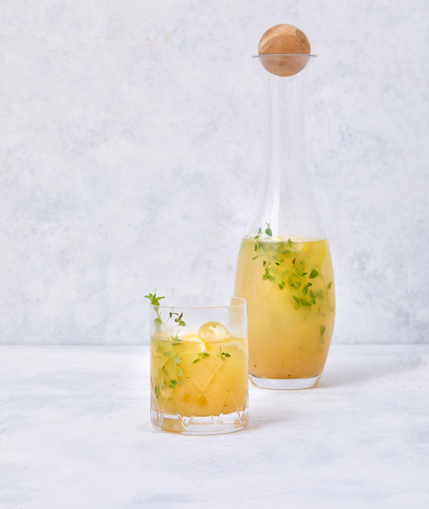 Lemoniada gruszkowa z tymiankiem i sokiem jabłkowym (fot. Maciej Niemojewski)