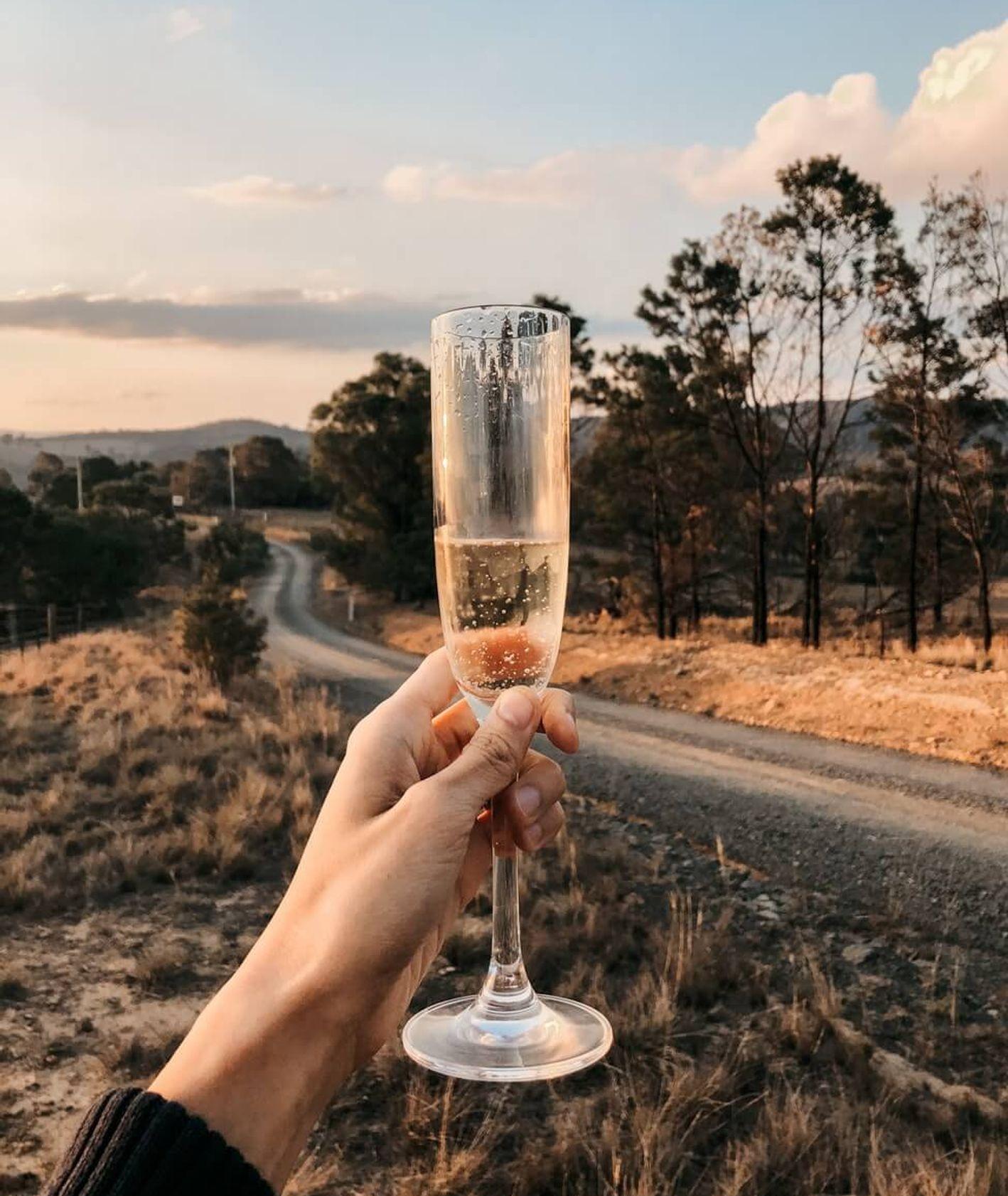 prosecco, cava i inne wino musujące (fot. Clarinta Subrata)