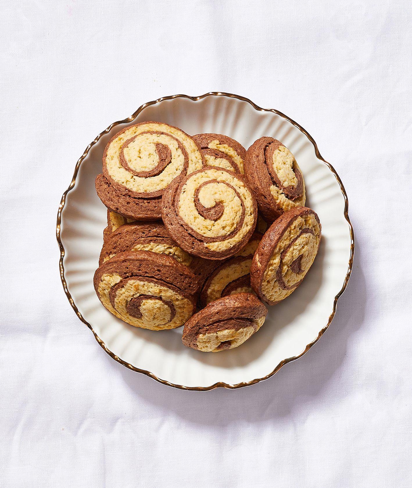 Słodycze bez białego cukru. Ciasteczka czekoladowo-waniliowe (fot. Maciek Niemojewski)