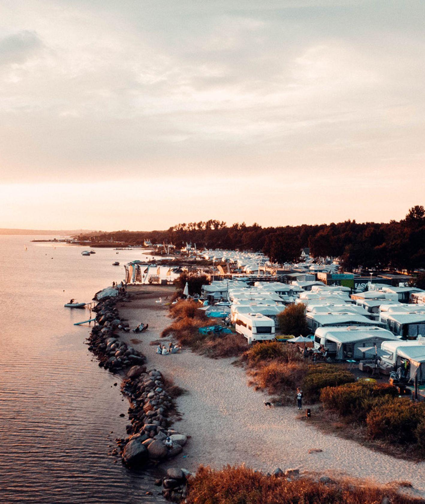 Chałupy 6, wyjazd nad morze, kemping, spokojne wakacje, wypoczynek (fot. Slow Polska)