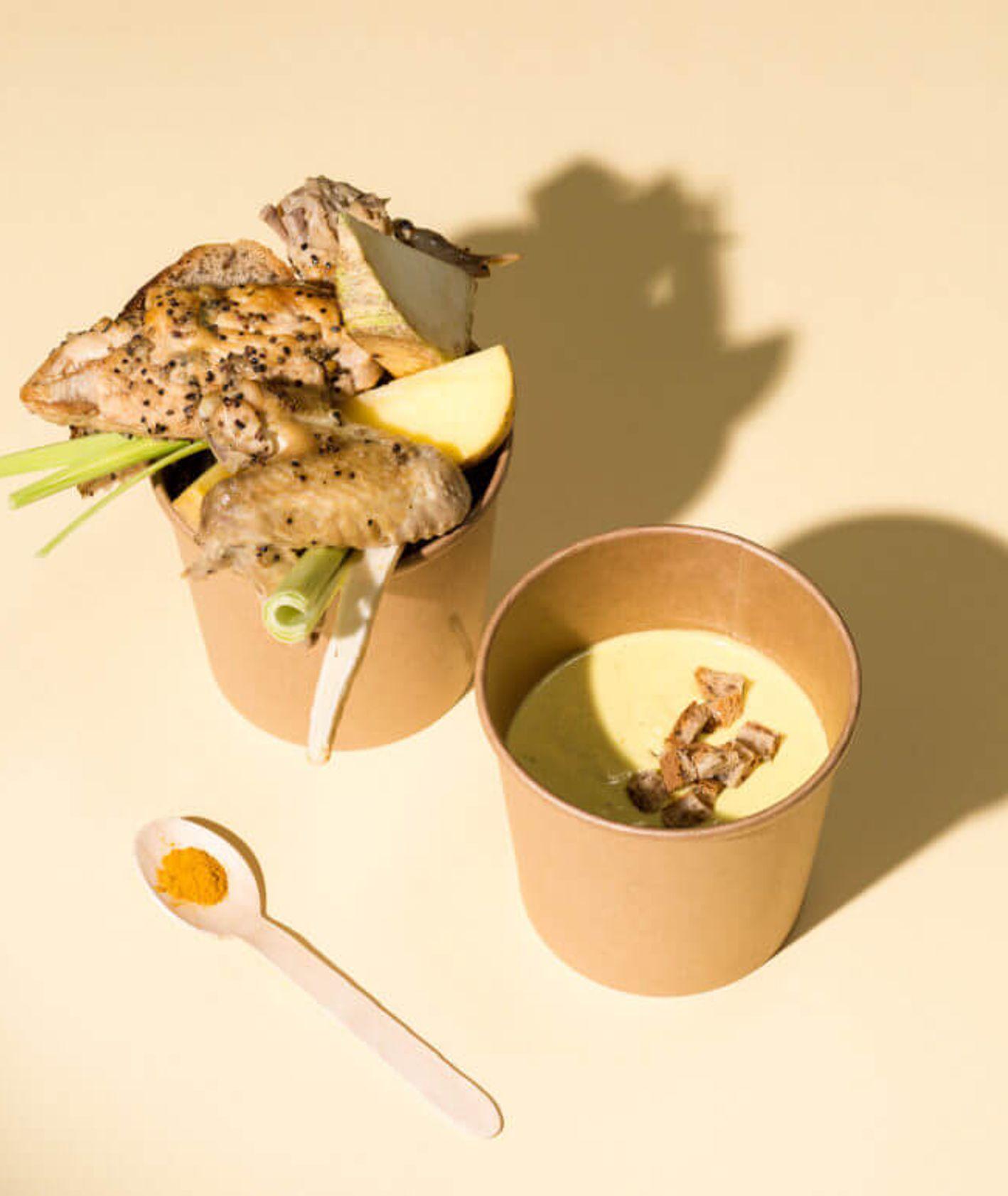 zupa krem z kurczakiem i śmietanką, zupa krem z grzankami, co do zupy, rozgrzewająca zupa krem, krem z warzyw, szybki obiad, danie jednogarnkowe, zdrowy obiad, obiad dla dziecka