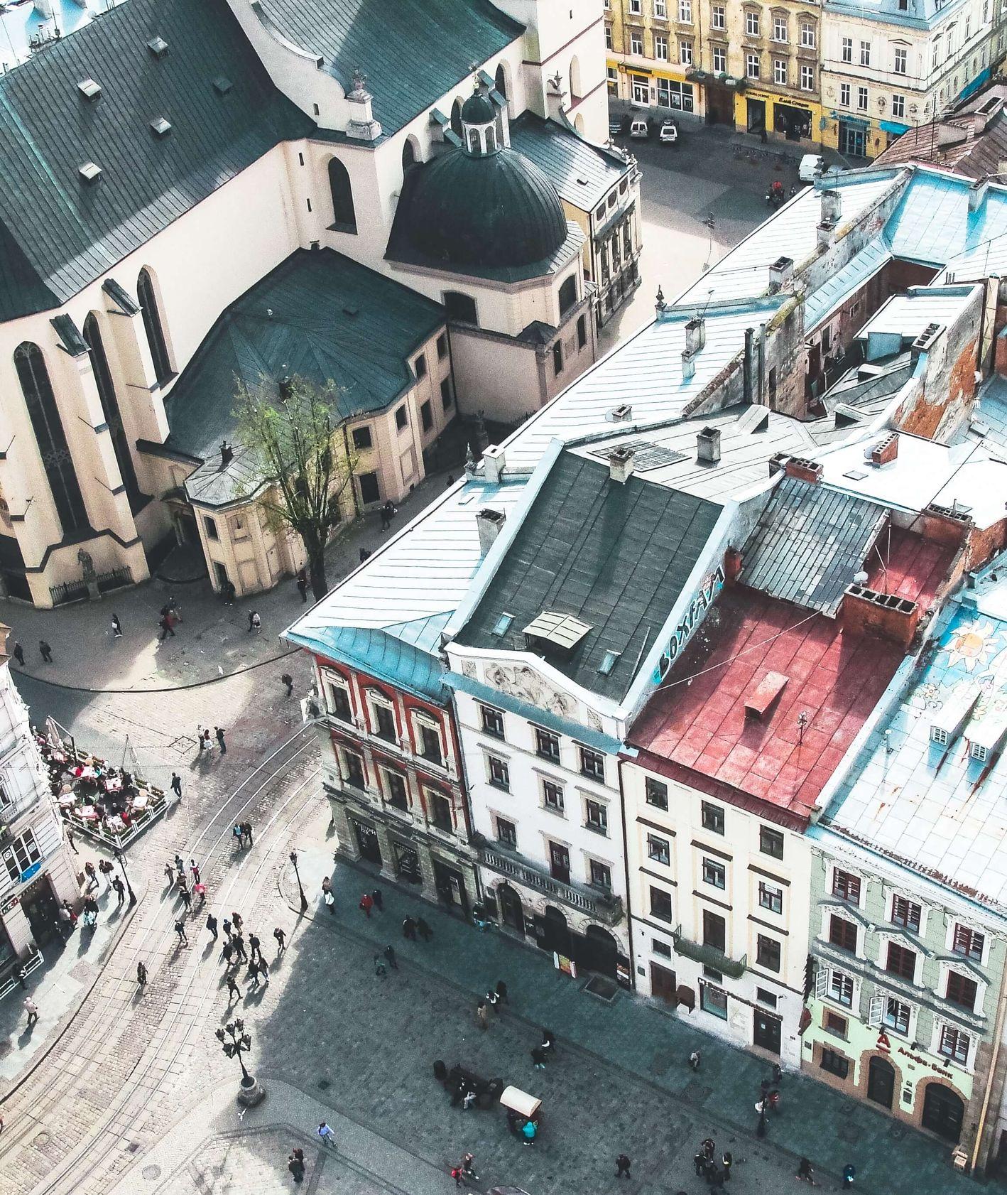 co i gdzie warto zjeść we Lwowie, najlepsze restauracje i atrakcje lwowa