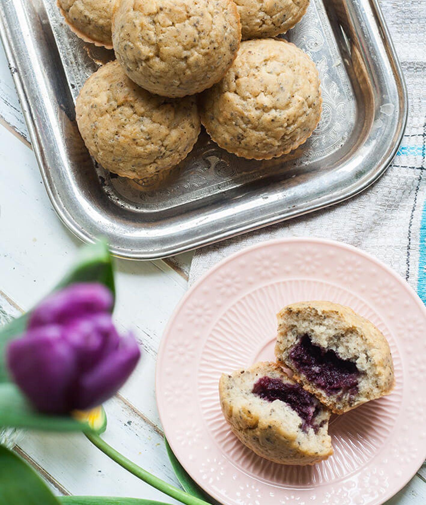 Muffiny z dżemem i nasionami chia przepis Alicji Rokiciej Wegnan Nerd