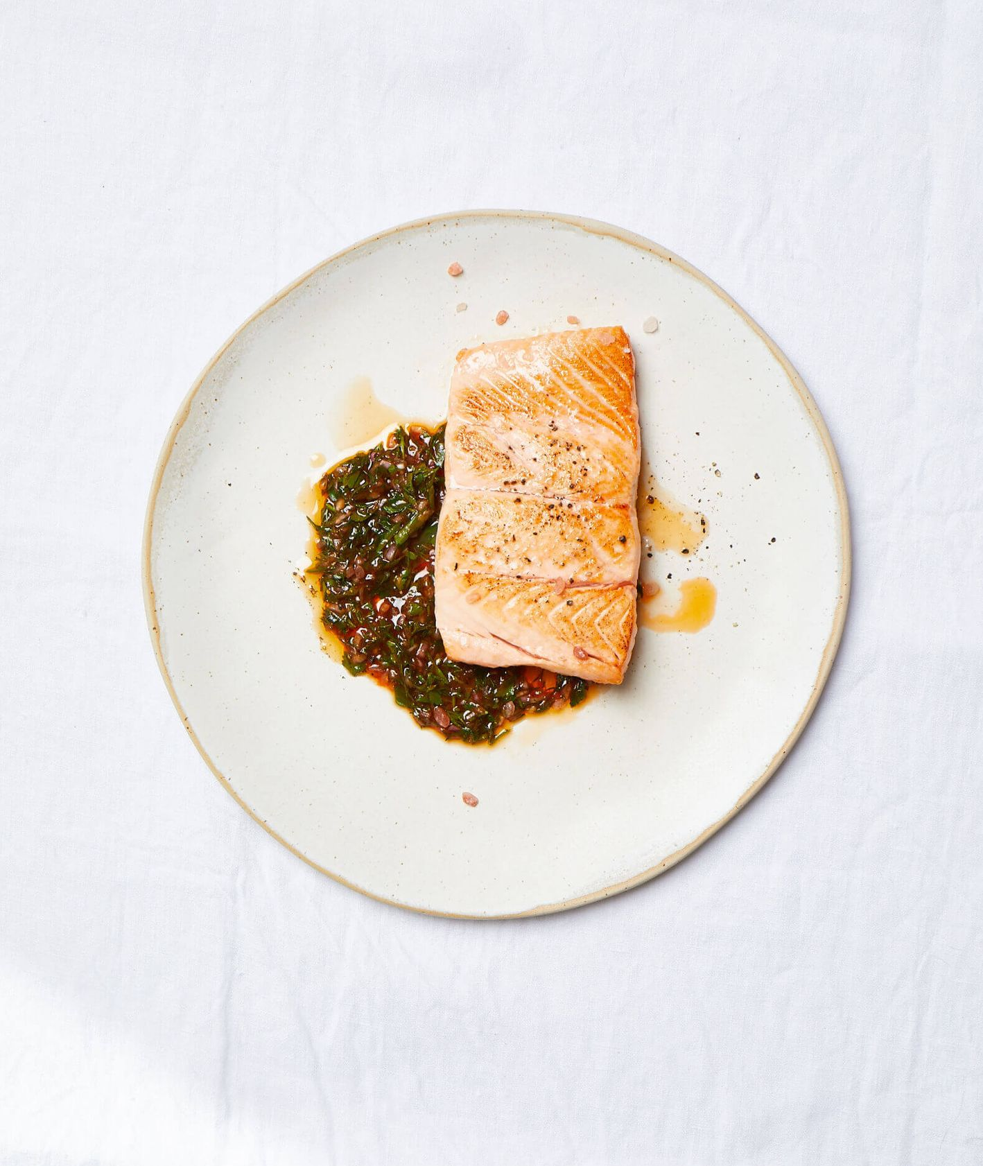 łosoś smażony, filet z łososia, łosoś z sosem, szybki obiad, prosty obiad, jak przygotować łososia, co do łososia, dodatki od ryby