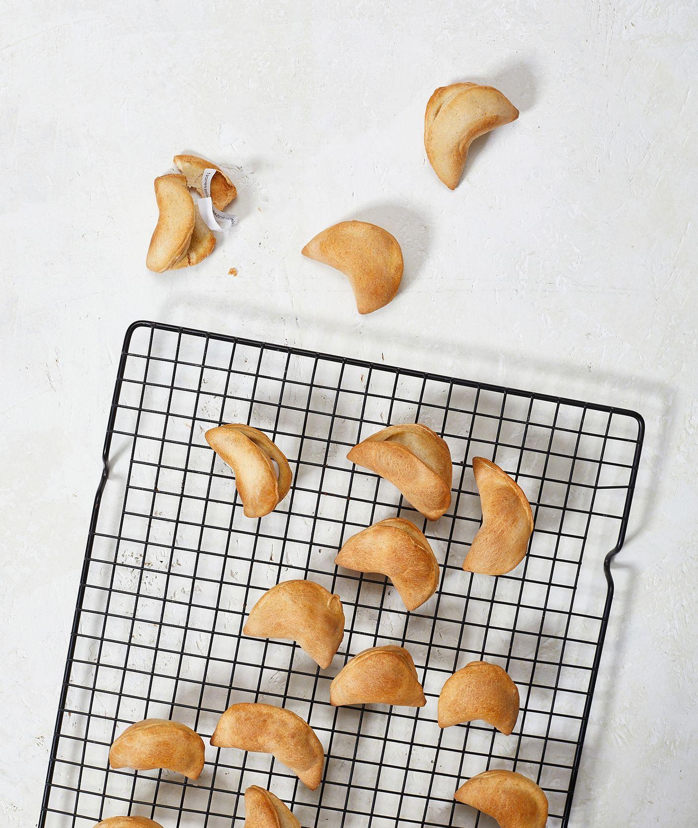 Ciasteczka z wróżbą - przepis. (fot. Maciek NIemojewski)