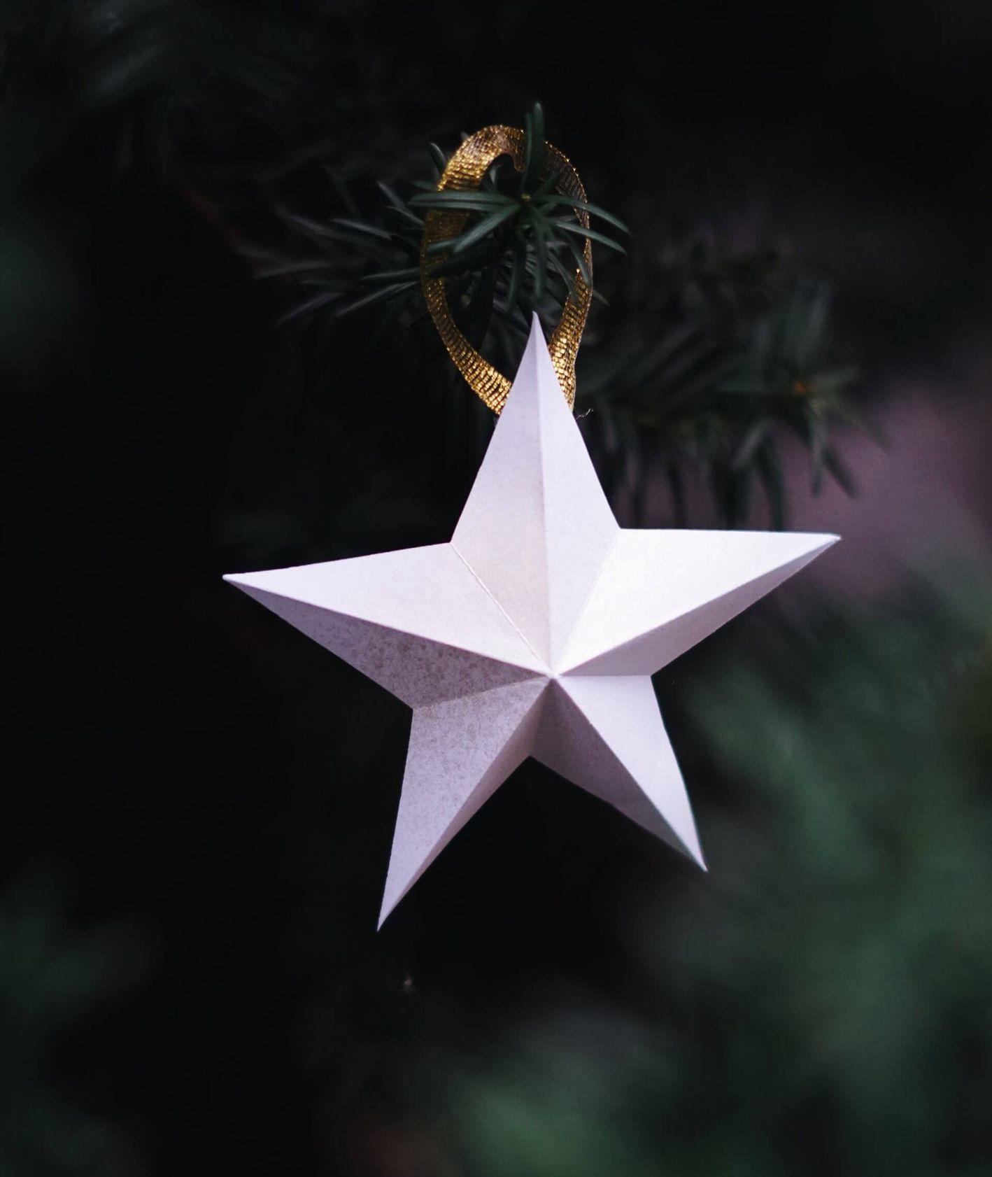 Papierowa bombka w kształcie gwiazdy DIY