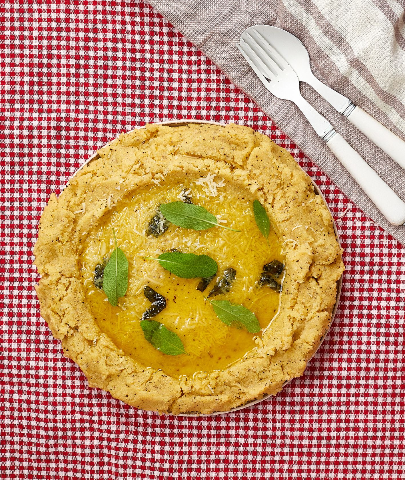 Włoska kuchnia - sery. Polenta taragna (fot. Maciek Niemojewski)