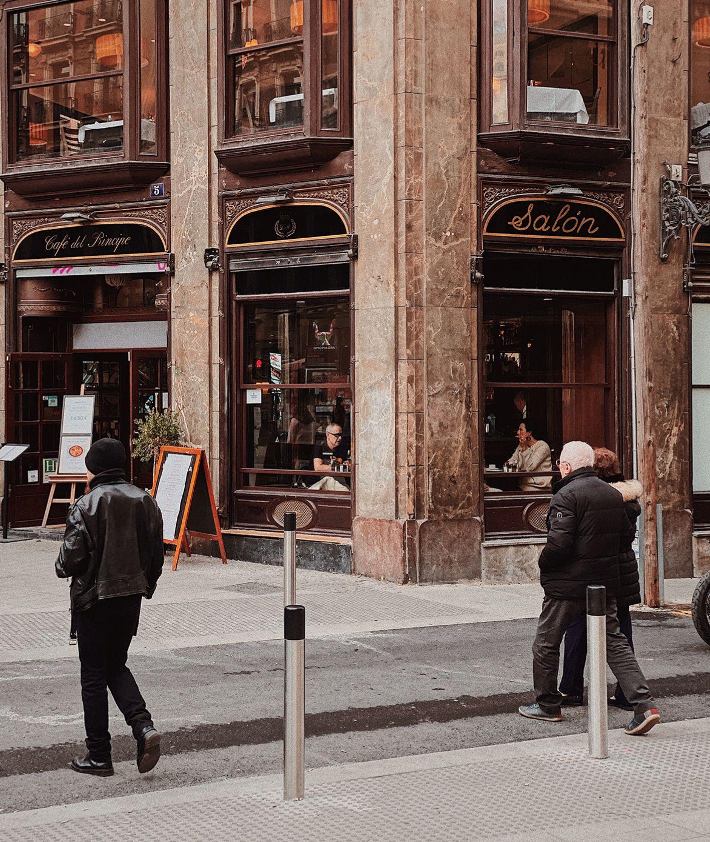 Ulica w Madrycie (fot. Alvaro Bernal / unsplash.com)