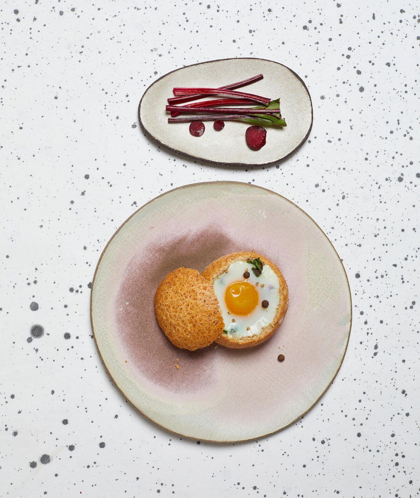 jak zrobić jajka z botwinką