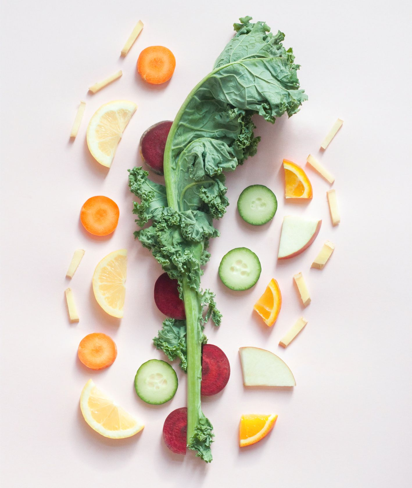 Kompozycja z warzyw i owoców (fot. Dose Juice / unsplash.com)