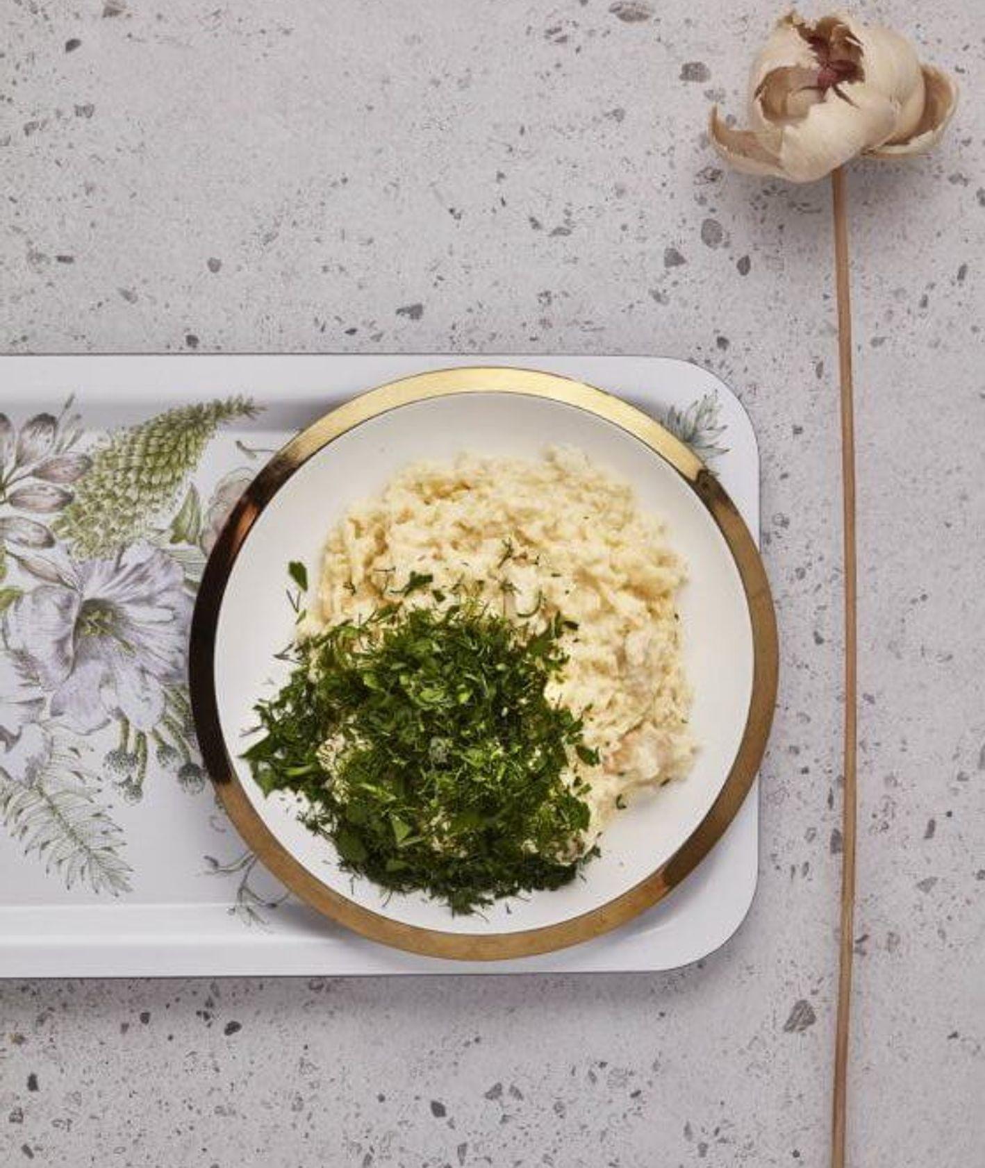 risotto z kalafiora, danie z kalafiora, kalafior, danie z kalafiorem, kuchnia zero waste, przepis Jagna Jagielska, zdrowy obiad, wegański obiad, obiad z warzywami