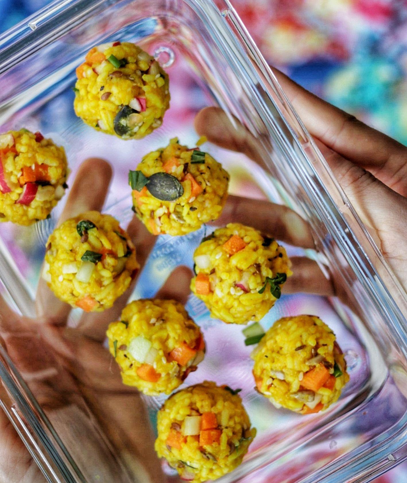 Przepis na słoneczne kulki z ryżem, jak zrobić kulki ryżowe z kurkumą i dynią, Ania Dobra Kulka (fot. Ania Dobra Kulka)