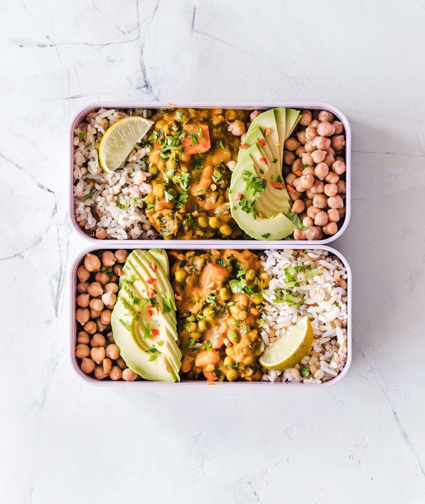 Lunch box z zestawem lunchowym (fot. Ella Olsson)
