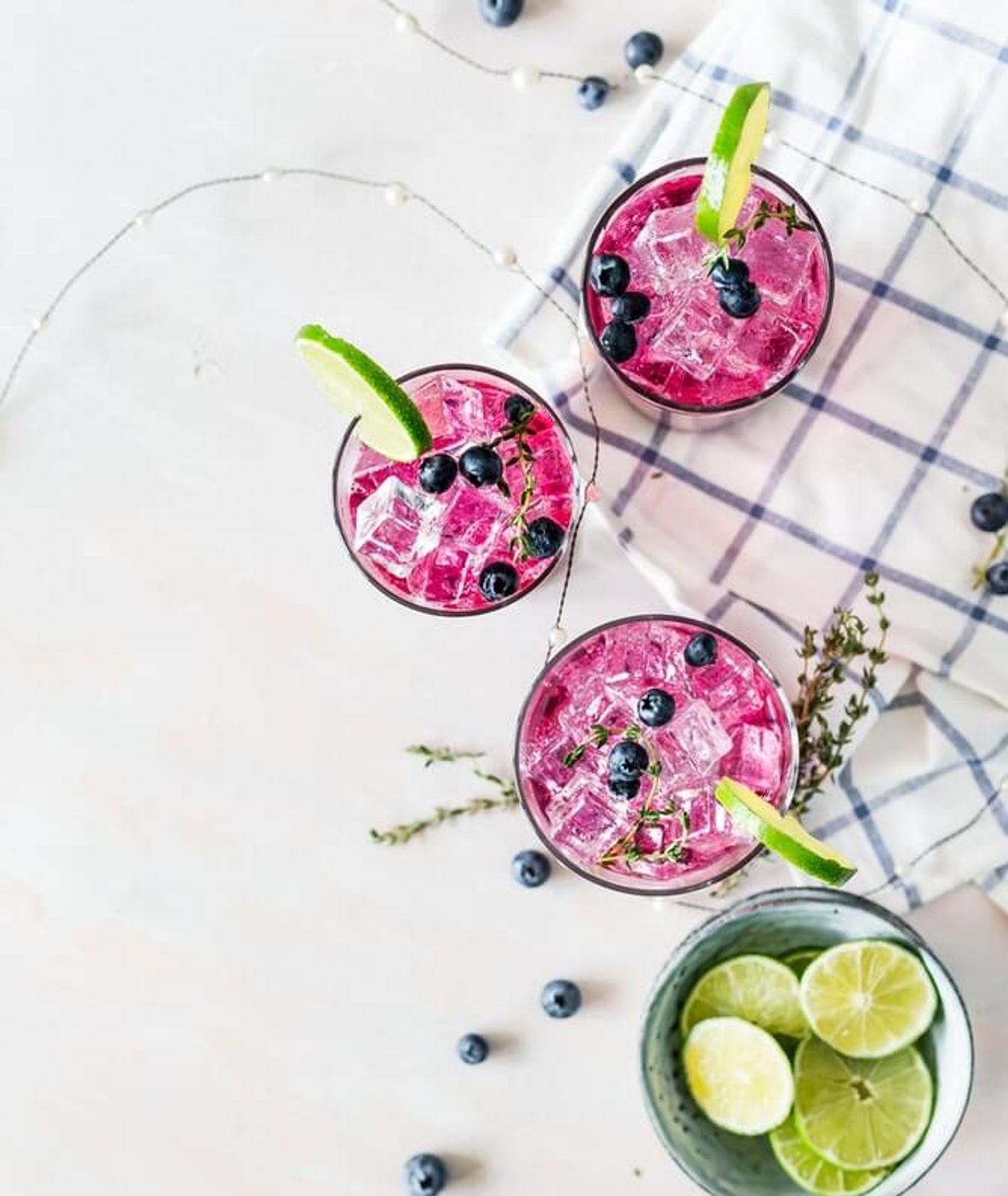 lemoniada z jagodami