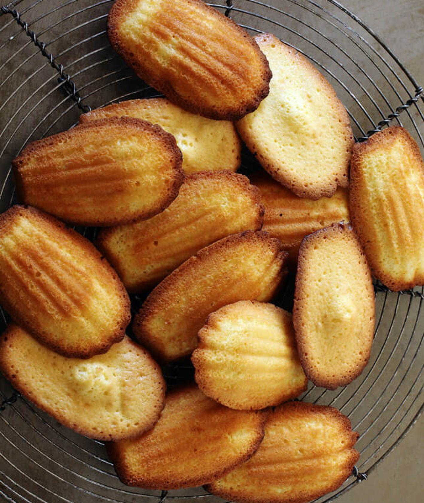 francuskie ciasteczka, ciasteczka magdalenki, tradycyjne desery francuskie, magdalenki, maślane ciasteczka, szybkie ciasteczka, ciasteczka
