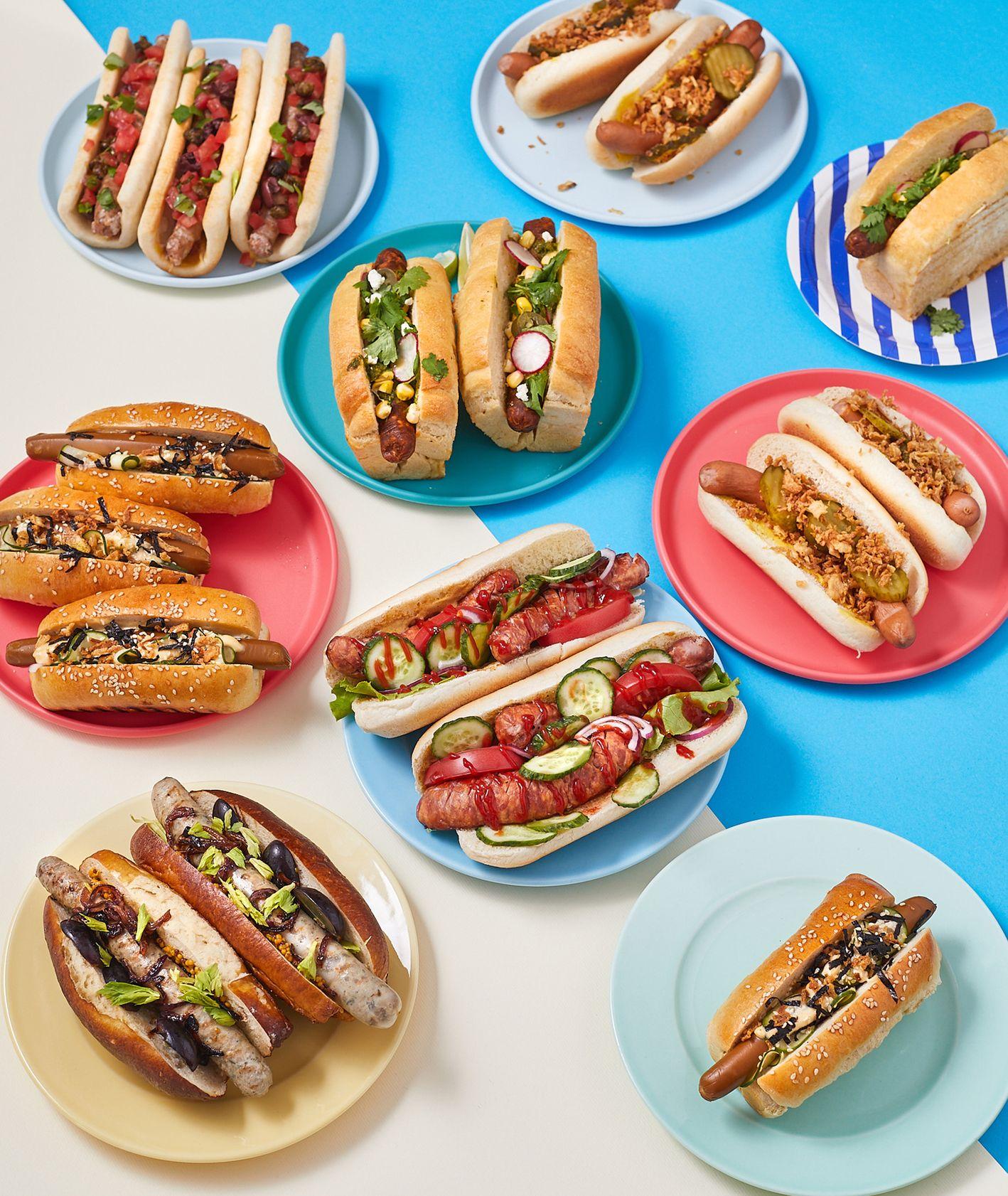 Hot dogi z różnymi dodatkami, przygotowane na sześć sposobów (fot. Maciek Niemojewski)