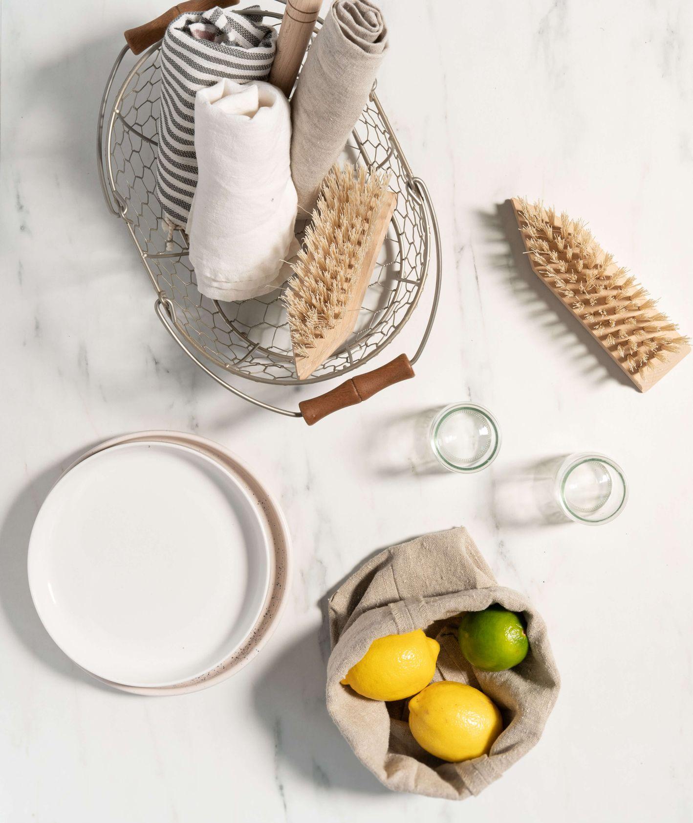 Sprzęt do czyszczenia kuchni (fot. Martyna Cybuch)