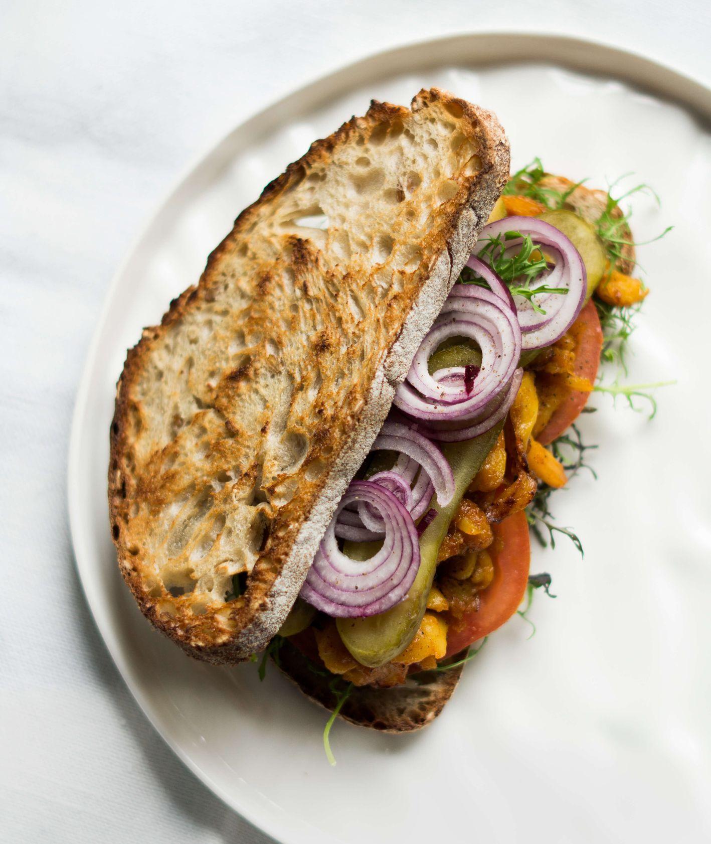 Co ugotować z jackfruit, chlebowcem? (fot. Jessica Nadziejko)