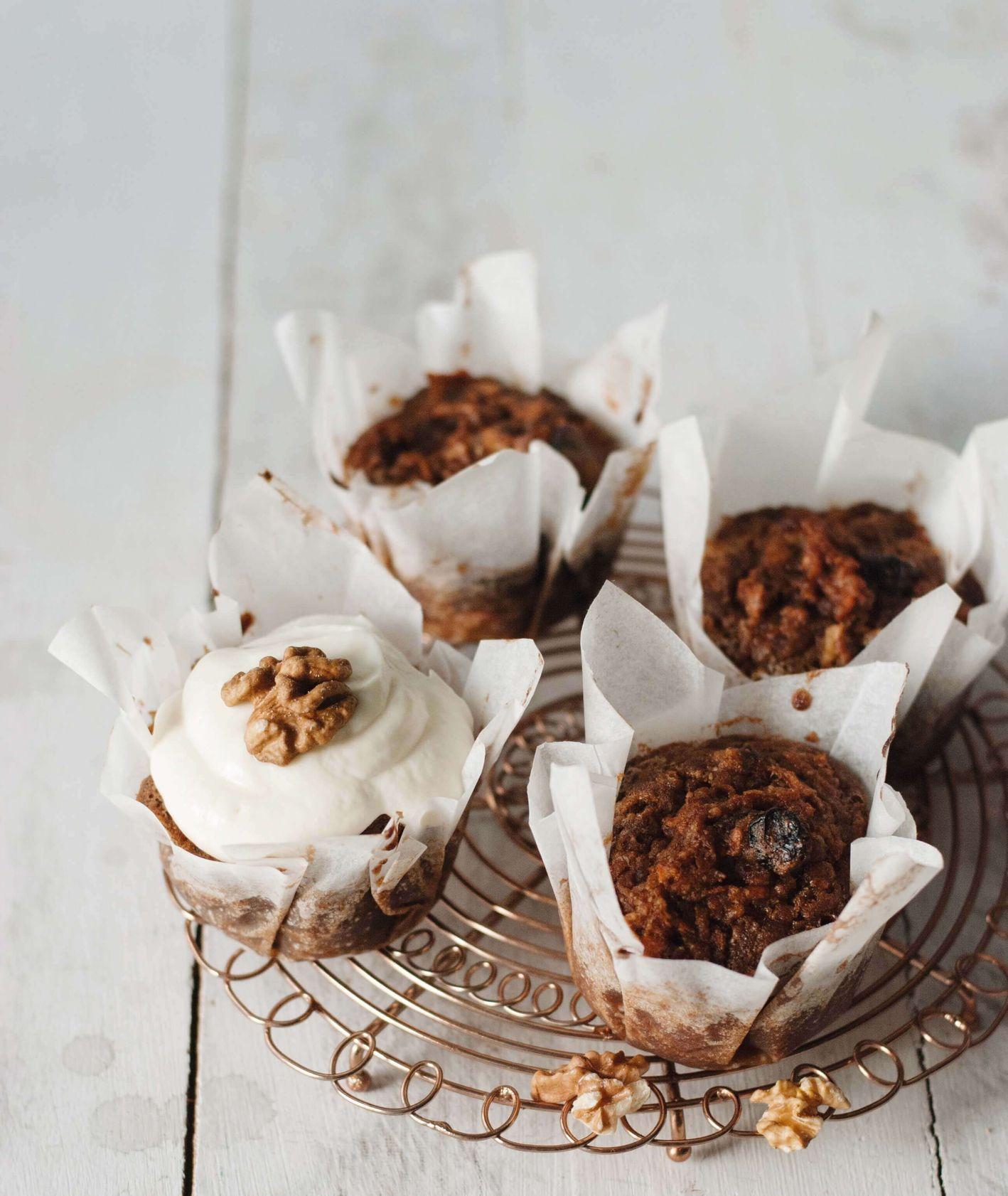 bezglutenowe muffinki marchewkowe, bezglutenowe muffinki, muffinki marchewkowe, ciasto marchewkowe, krem twarożkowy, muffinki z kremem, deser dla dzieci, proste muffinki, ciasto bez pszenicy