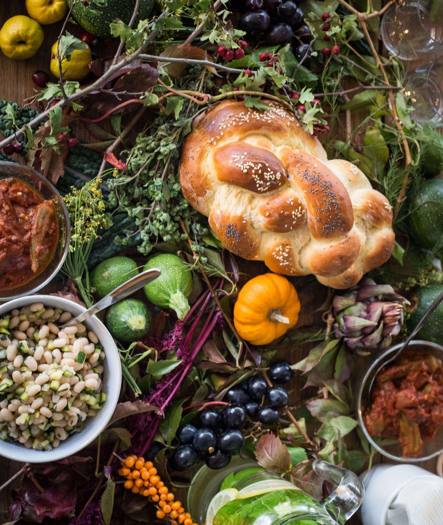 Kuchnia żydowska - tradycyjne dania na stole (fot. materiały prasowe TISH)