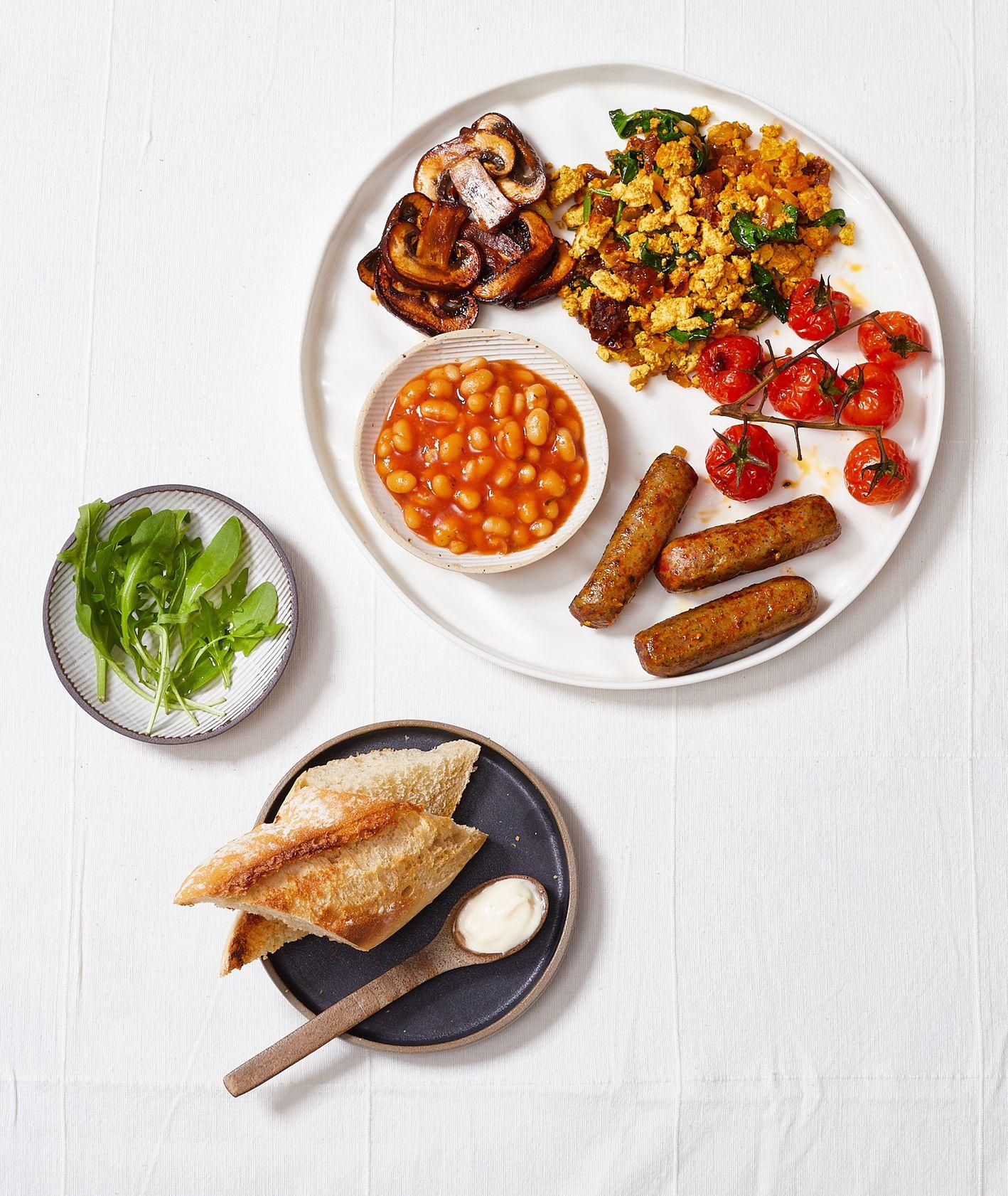 Jak zrobić wegańskie English Breakfast. Przepis (fot. Maciek Niemojewski)