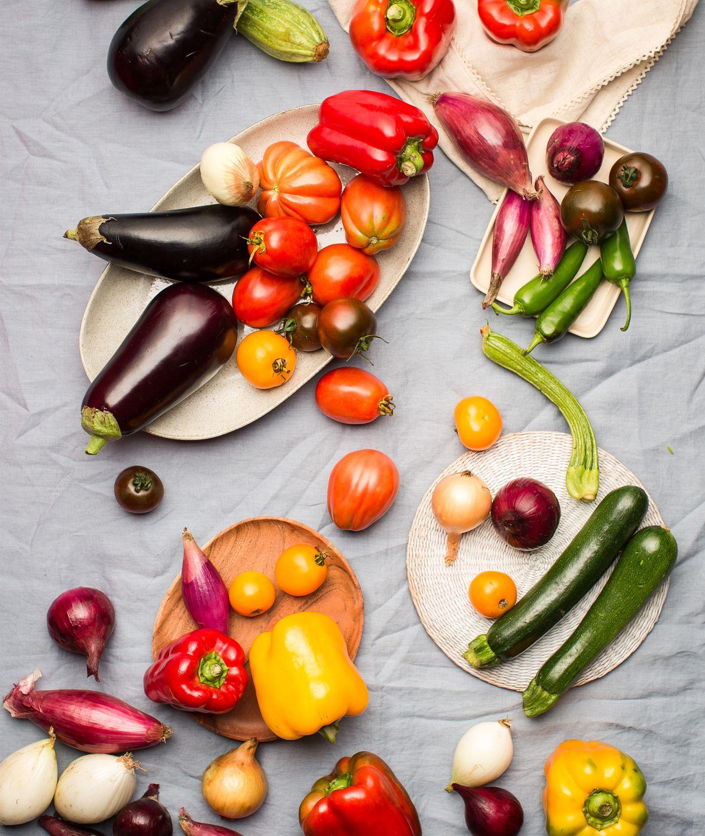 Targ Forteca Kręgliccy – sezonowe warzywa: papryka, bakłażan i cukinia, wczesna jesień