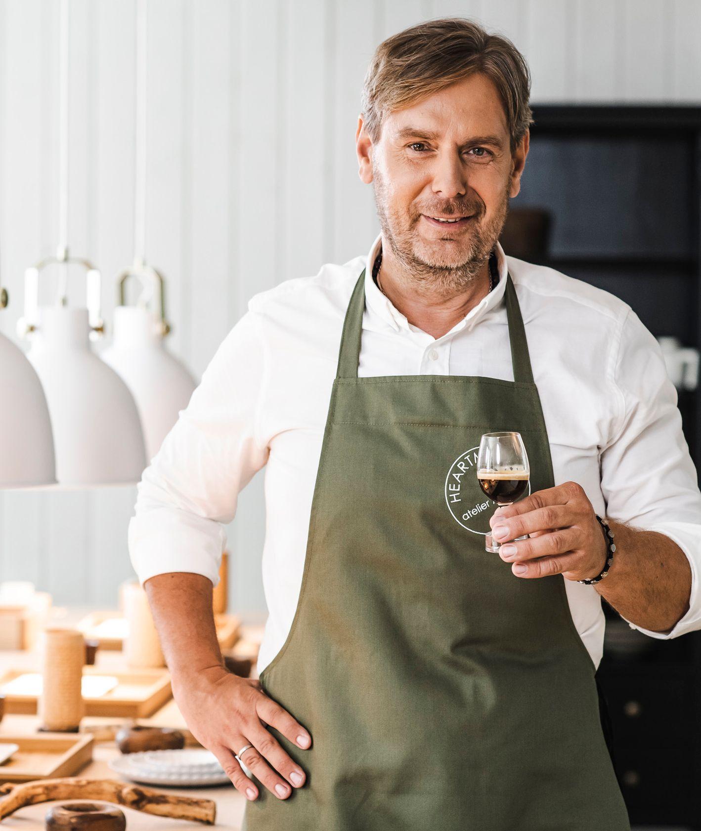 Wojciech Modest Amaro wspólnie z Nespresso podpowiada, czym jest coffee pairing – sztuka łączenia kawy z daniami