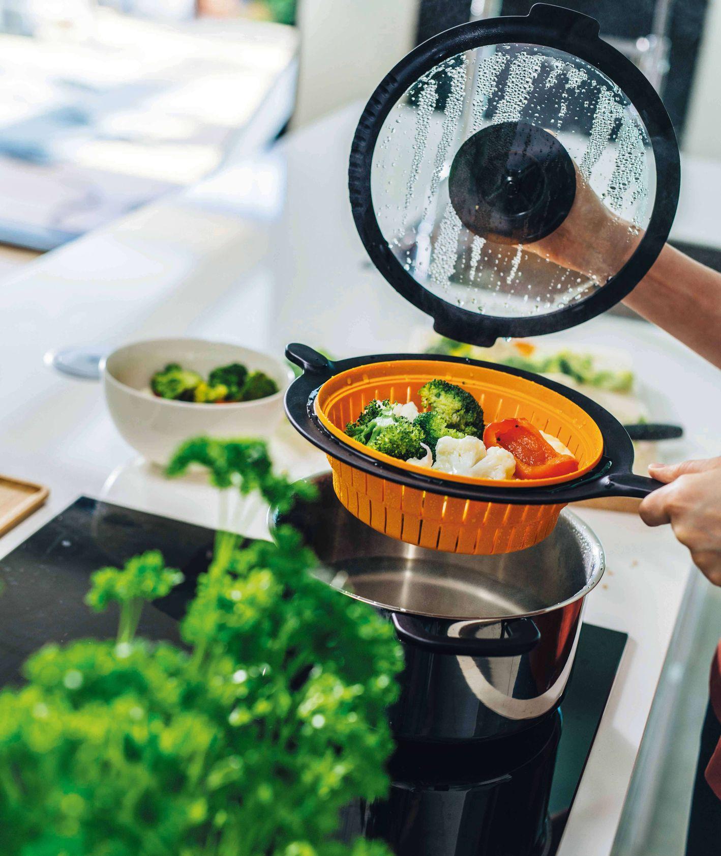 Akcesoria kuchenne marki Fiskars – durszlak (fot. materiały prasowe)