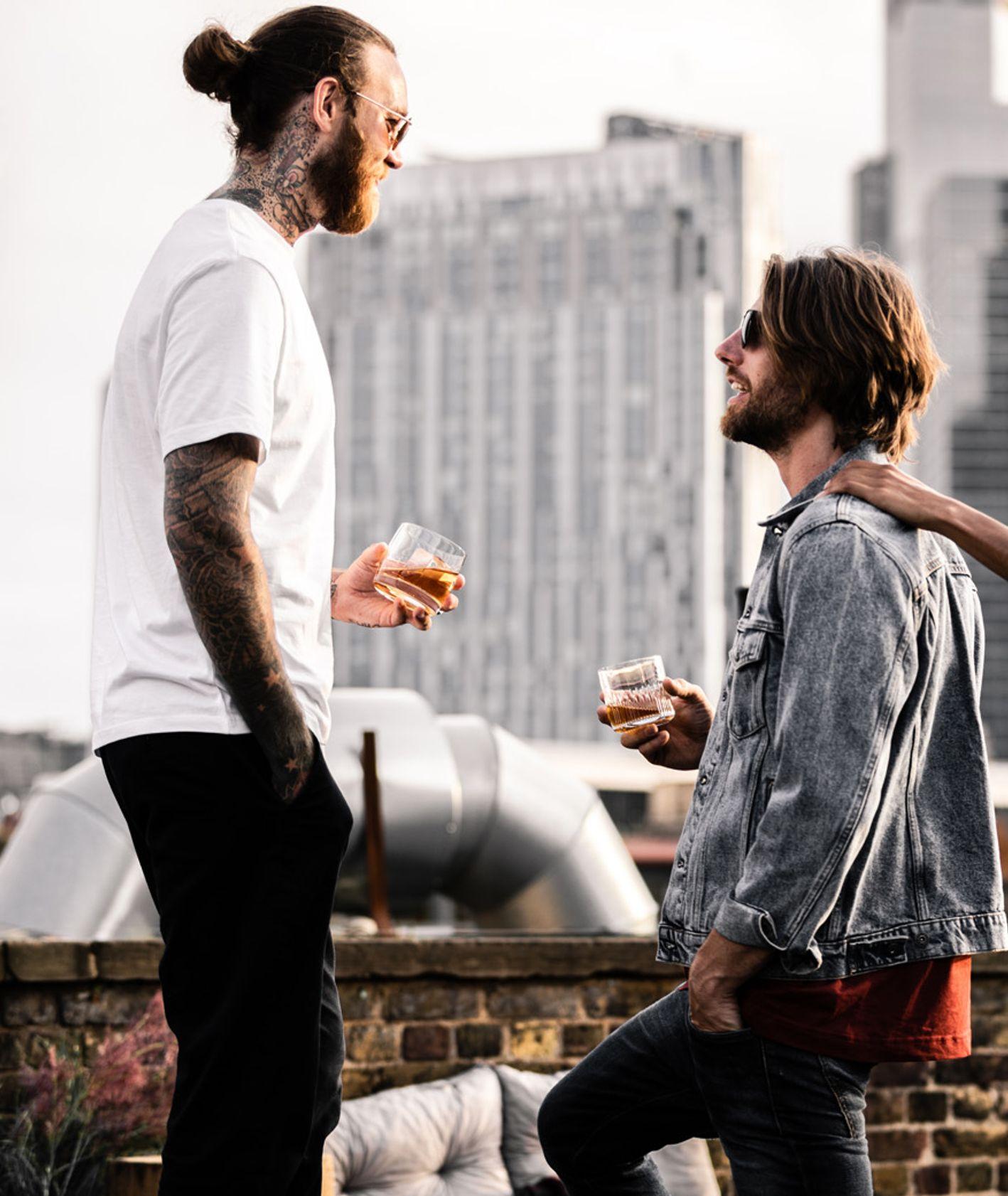 Ludzie na dachu (fot. materiały prasowe)