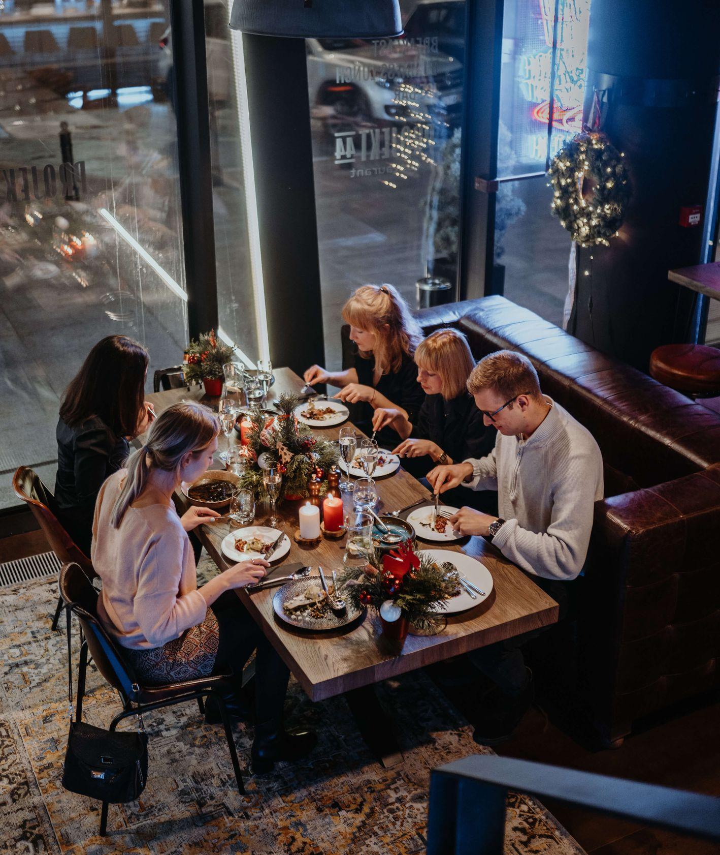 Projekt 44 na święta – wspólna kolacja (fot. materiały prasowe)