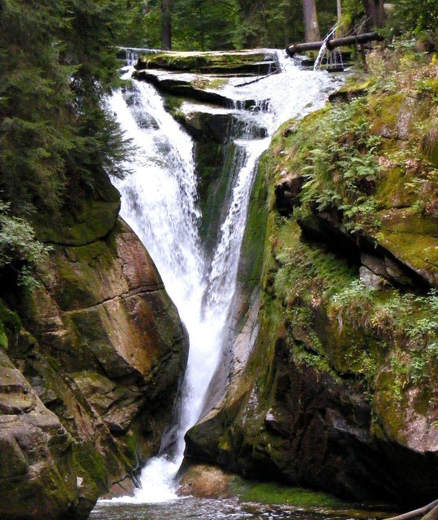 Wodospad Szklarki w Karkonoskim Parku Narodowym (fot. Aw58 / Wikipedia)