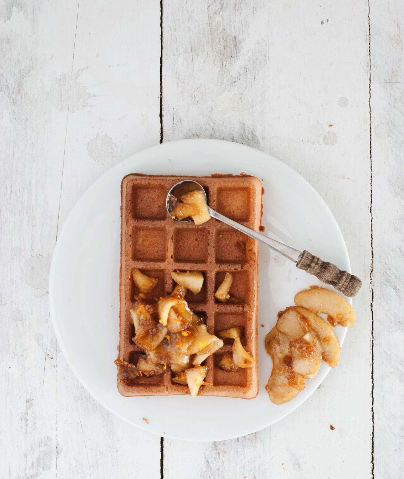 gofry gryczane z karmelizowanymi jabłkami, gofry gryczane, bezglutenowe gofry, gofry bez cukru, gofry bez pszenicy, zdrowe gofry, śniadanie na słodko, słodkie śniadanie, przepis Lisia Kawiarenka, karmelizowane jabłka