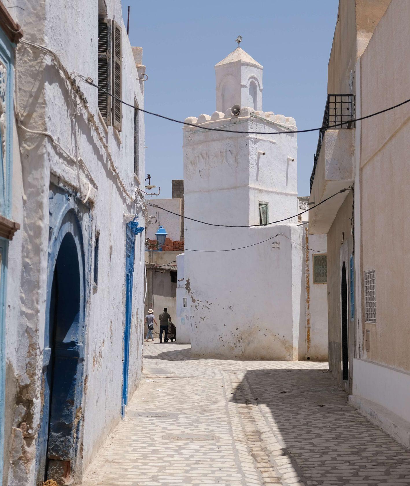 Tunezja. Uliczki miasta Kairouan