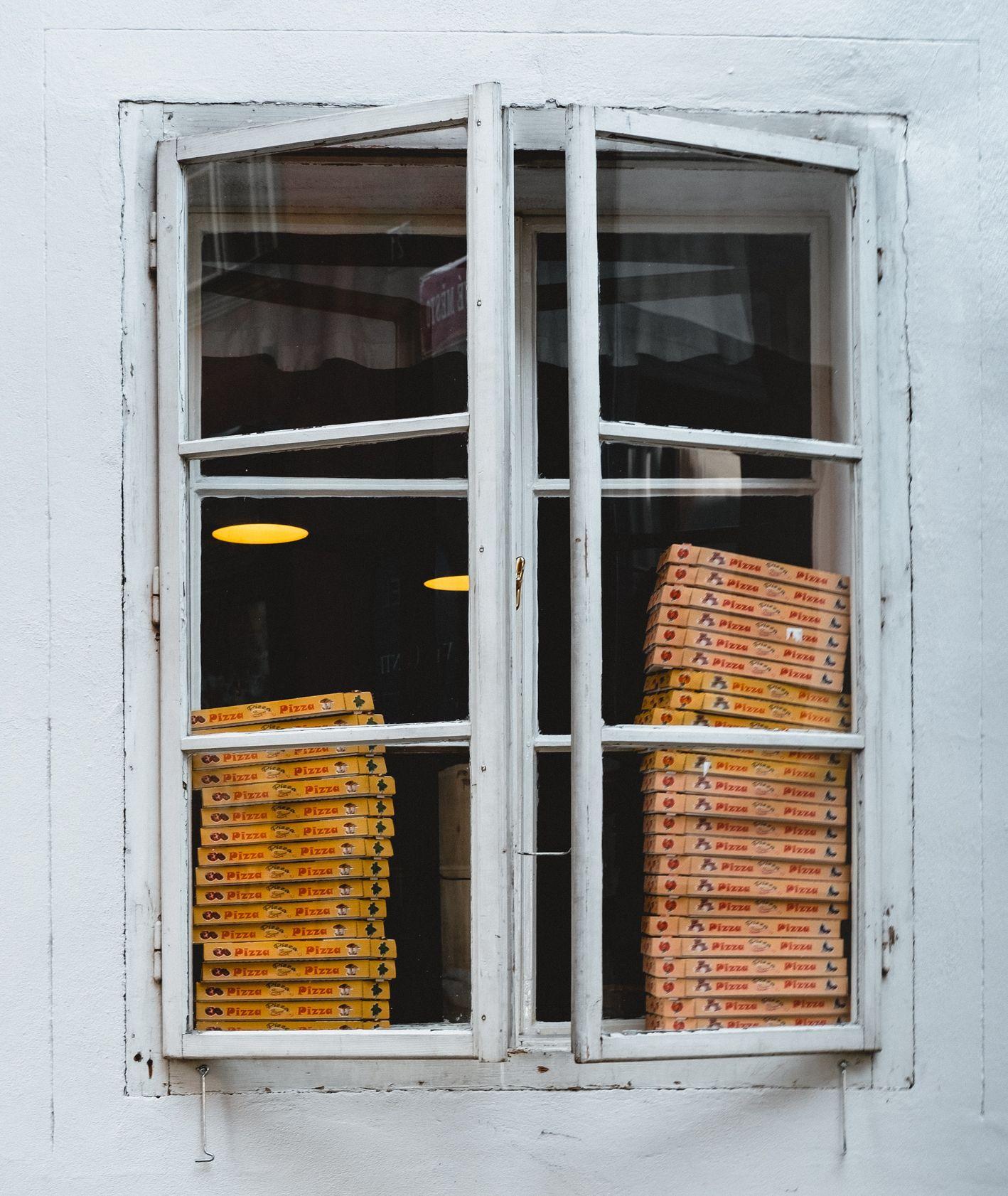pudełka z pizzą (fot. homas Peham)