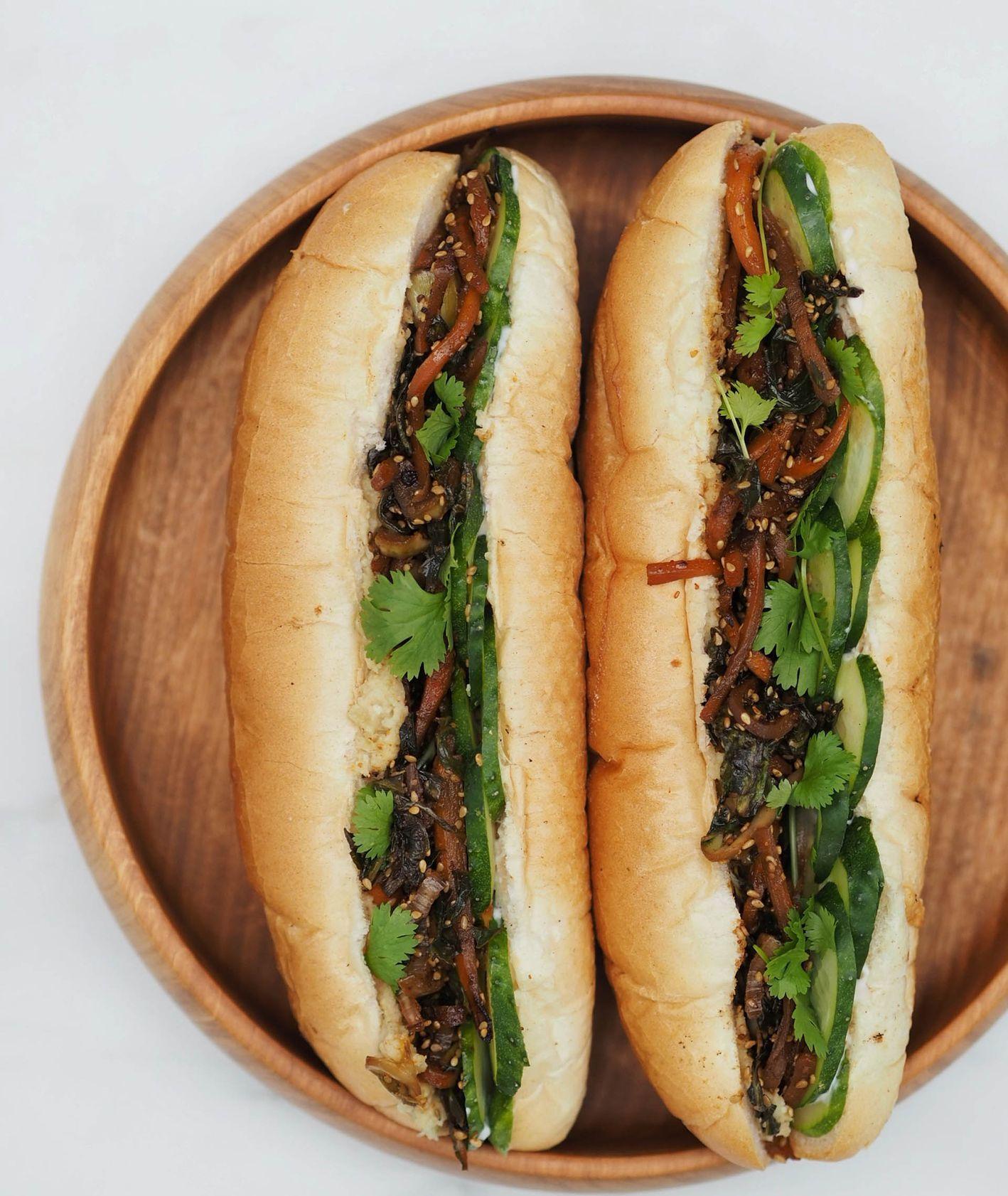 Wietnamskie kanapki banh mi z pastą z fasolki szparagowej (fot. Aleksandra Jagłowska)