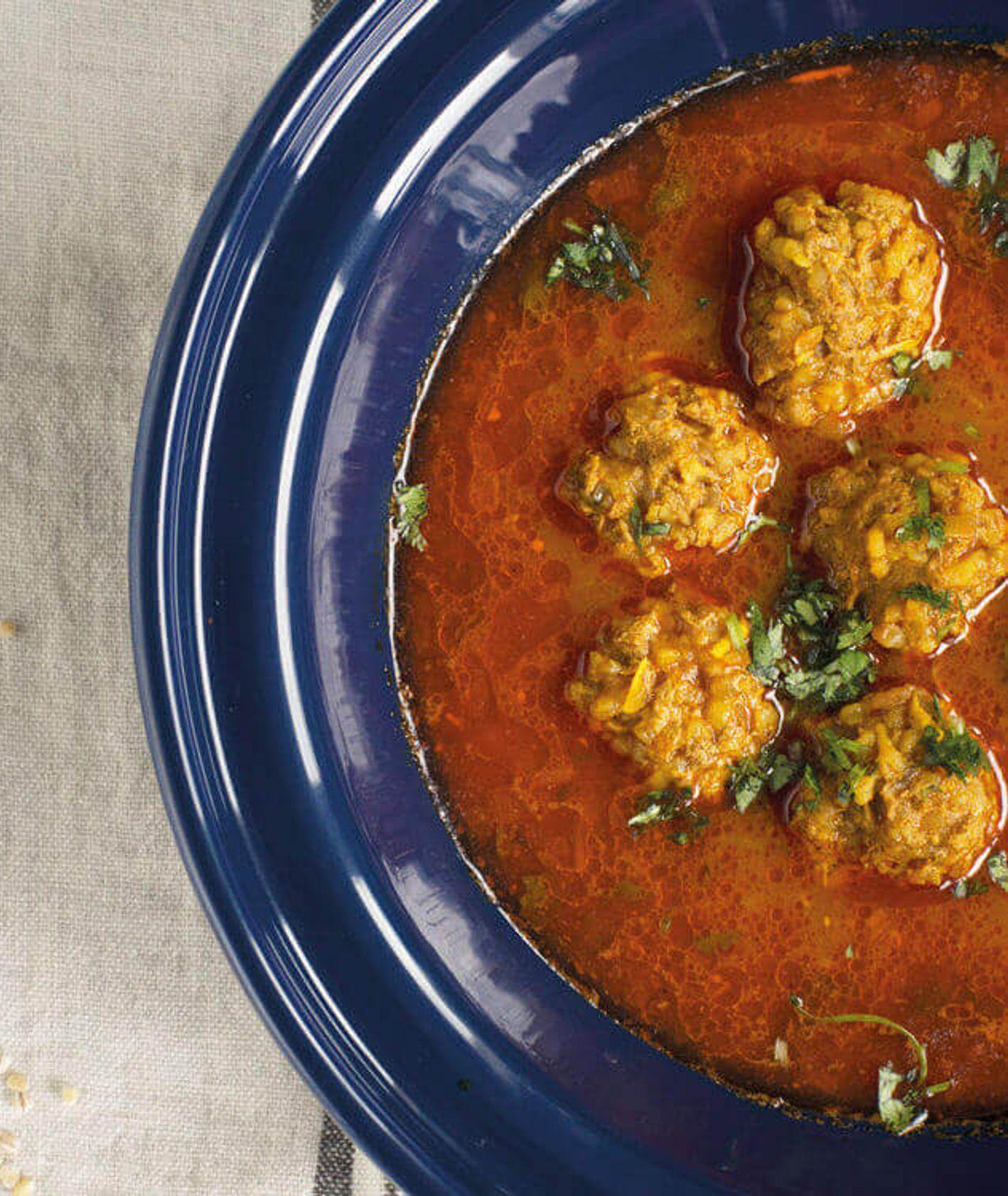 gruzińska zupa, zupa pomidorowa, gruzińska zupa z jagnięciną, bozbasz, danie jednogarnkowe, szybka zupa, kuchnia gruzińska, pomidory, co z pomidorów, obiad dla dzieci, szybki obiad
