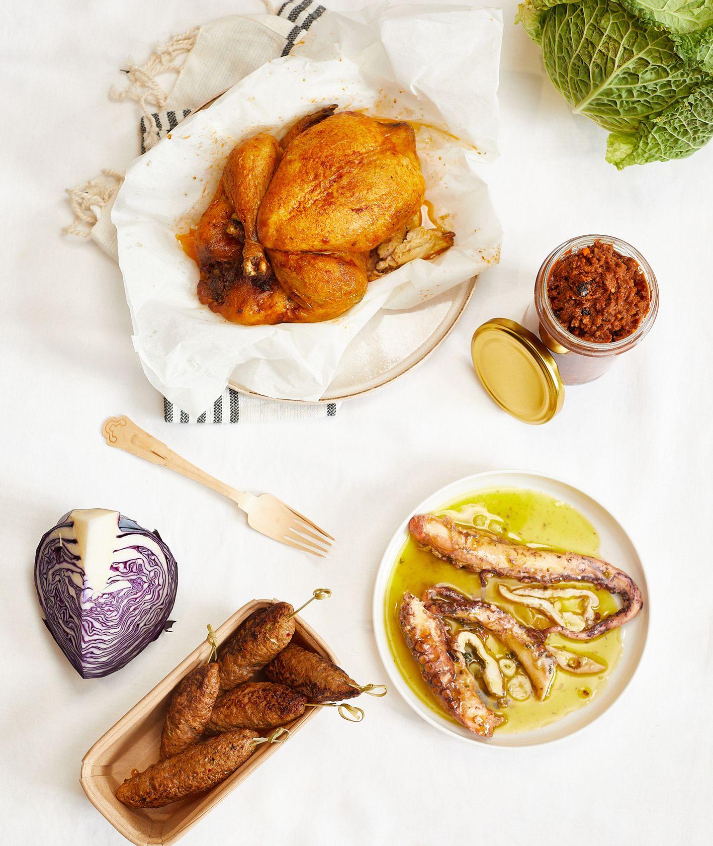 Szybkie przepisy na wyjazd – pieczony kurczak, marynowana ośmiornica i kofty (fot. Maciek Niemojewski)