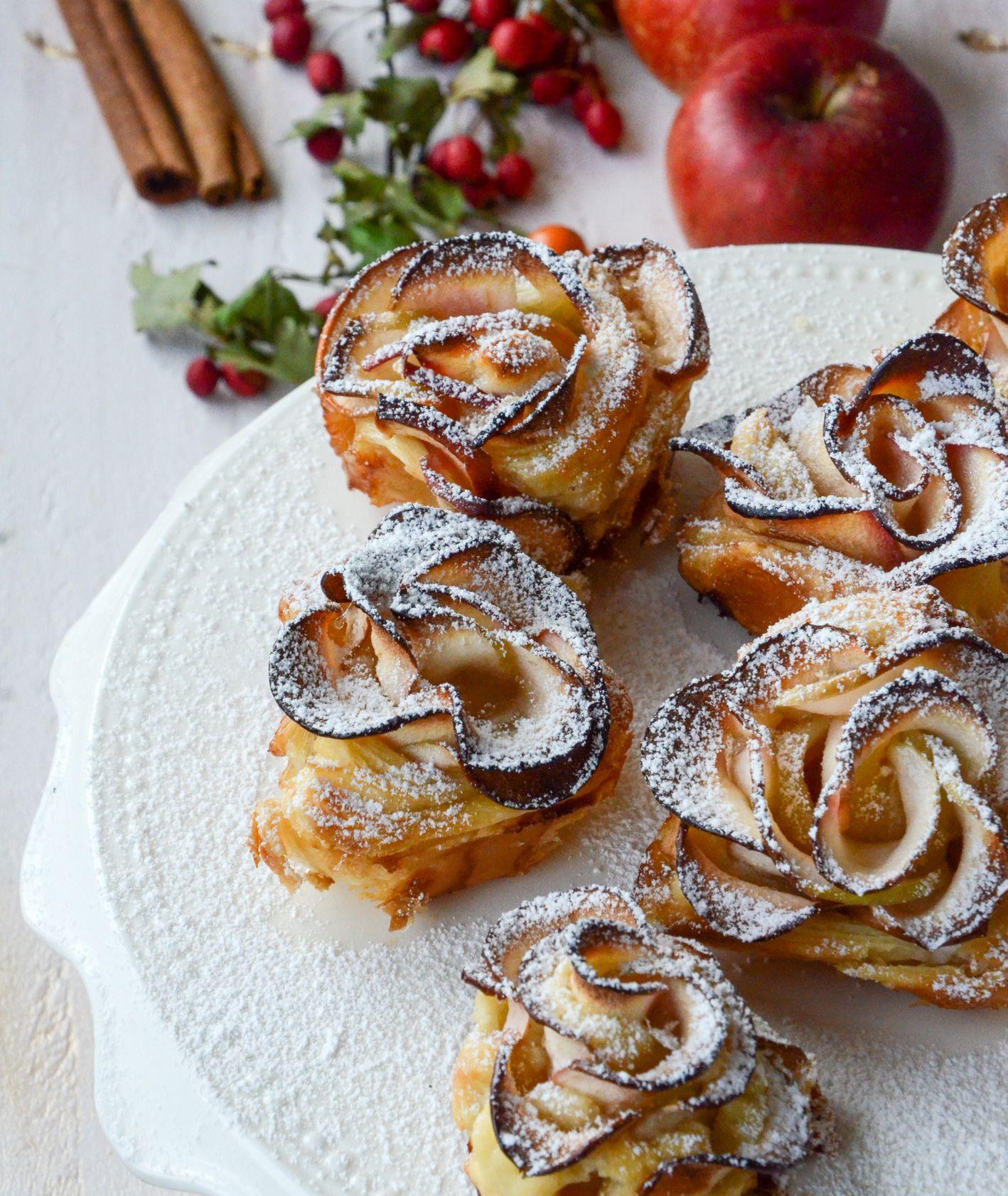 Róże z jabłkami w cieście francuskim (fot. Katarzyna Kopacz)