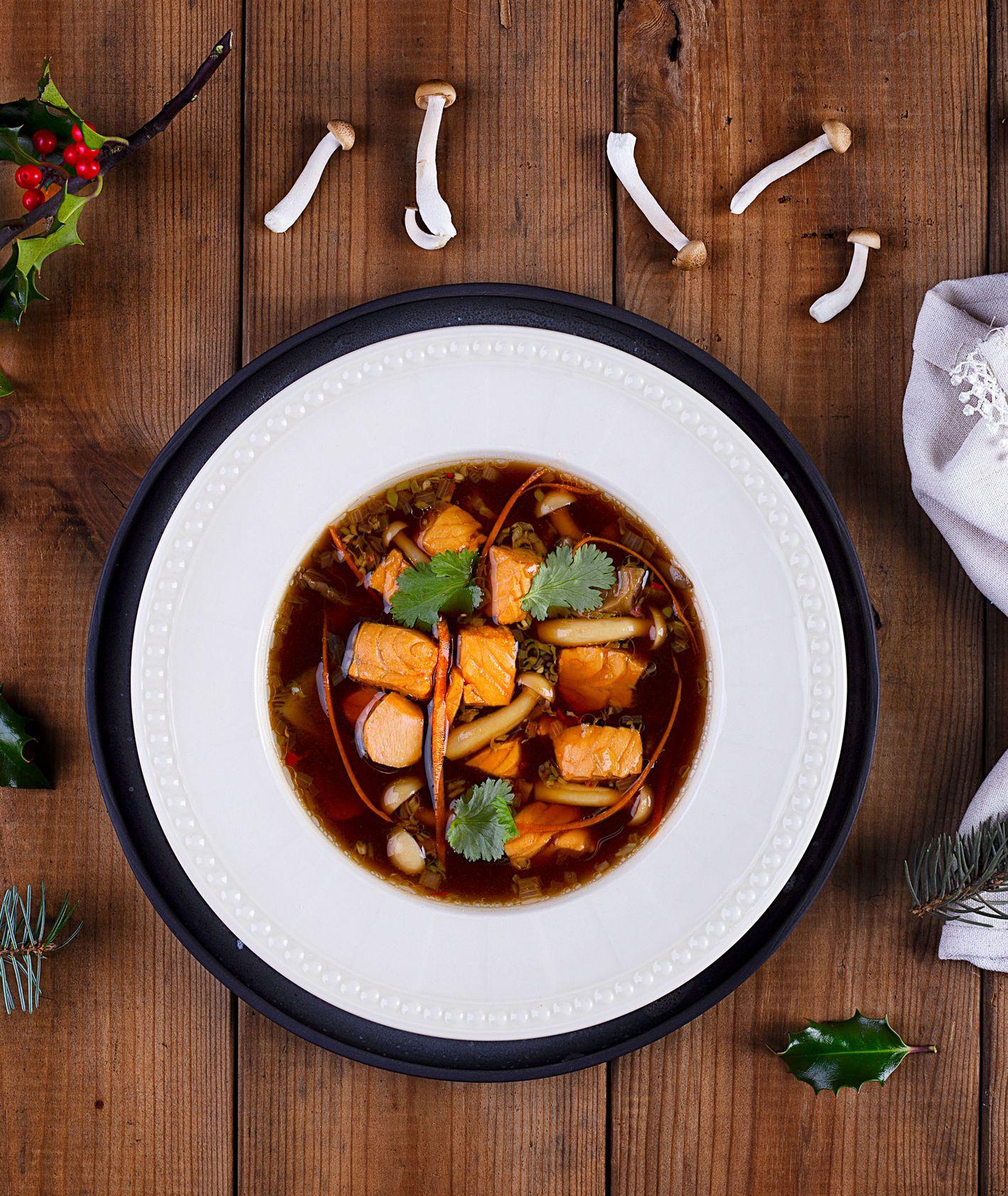 Jak zrobić zupę grzybową z łoososiem. Przepis na grzybową MOWI