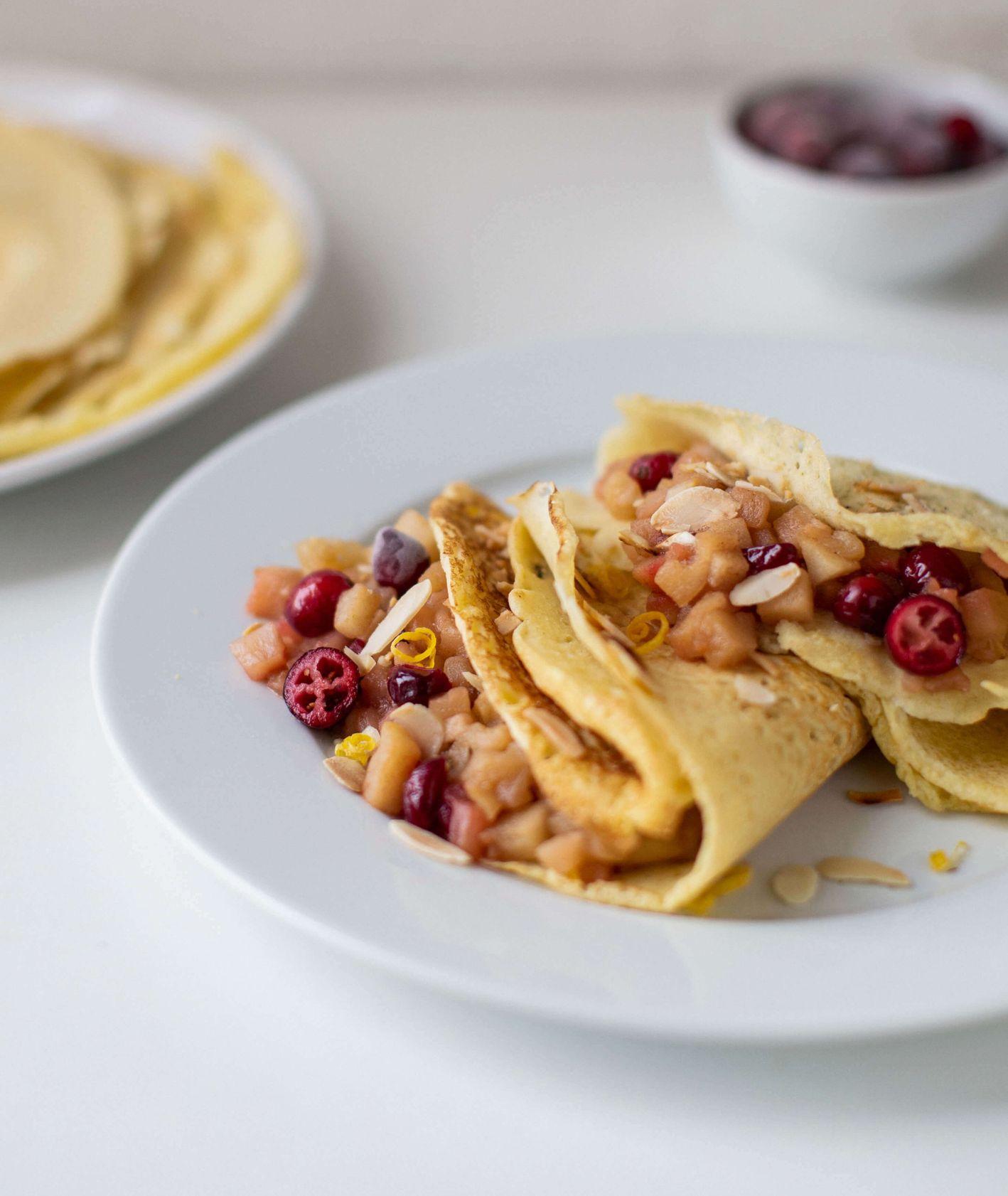 naleśniki ryżowe z jabłkami, naleśniki bezglutenowe, placki bez glutenu, placki, naleśniki z mąki ryżowej, naleśniki z jabłkami, prażone jabłka