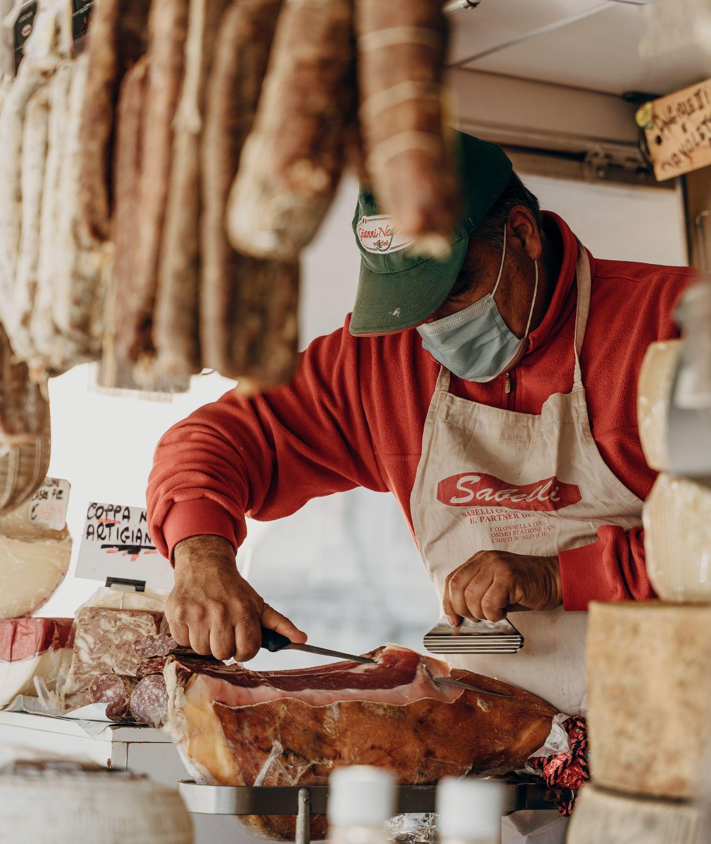 Gdzie kupić oryginalne włoskie produkty, certyfikowane włoskie produkty, włoskie sklepy (fot. Gabriella Clare Marino / unsplash.com)