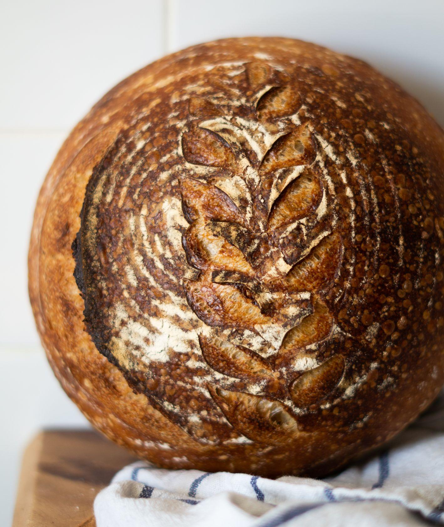 Bochenek pszenicznego chleba (fot. Jessica Nadziejko)